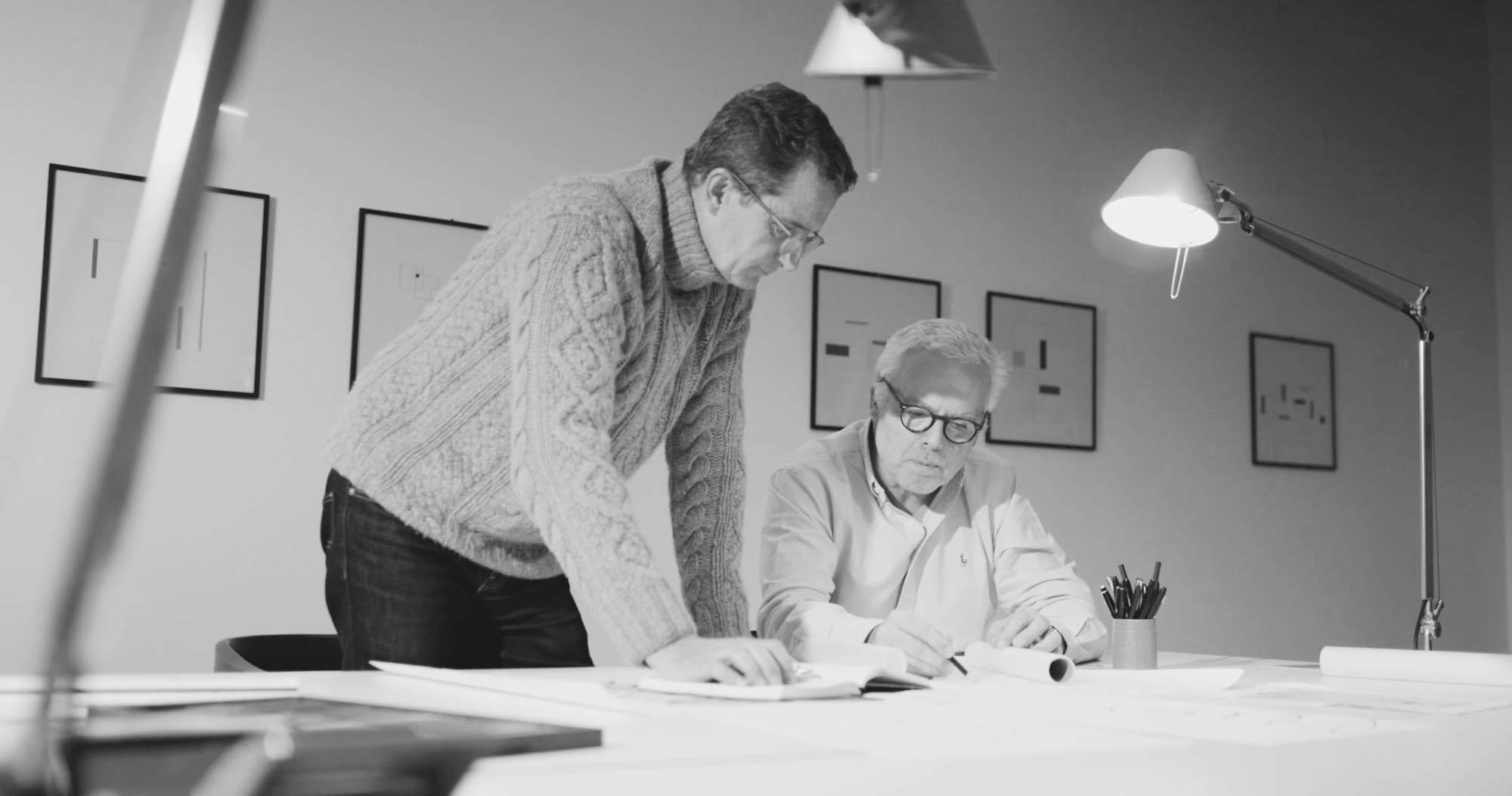 Das Leuchten-Unikat HELIX hat RSL gemeinsam mit den Lichtplanern Klaus Adolph und Tom Schlotfeldt entwickelt