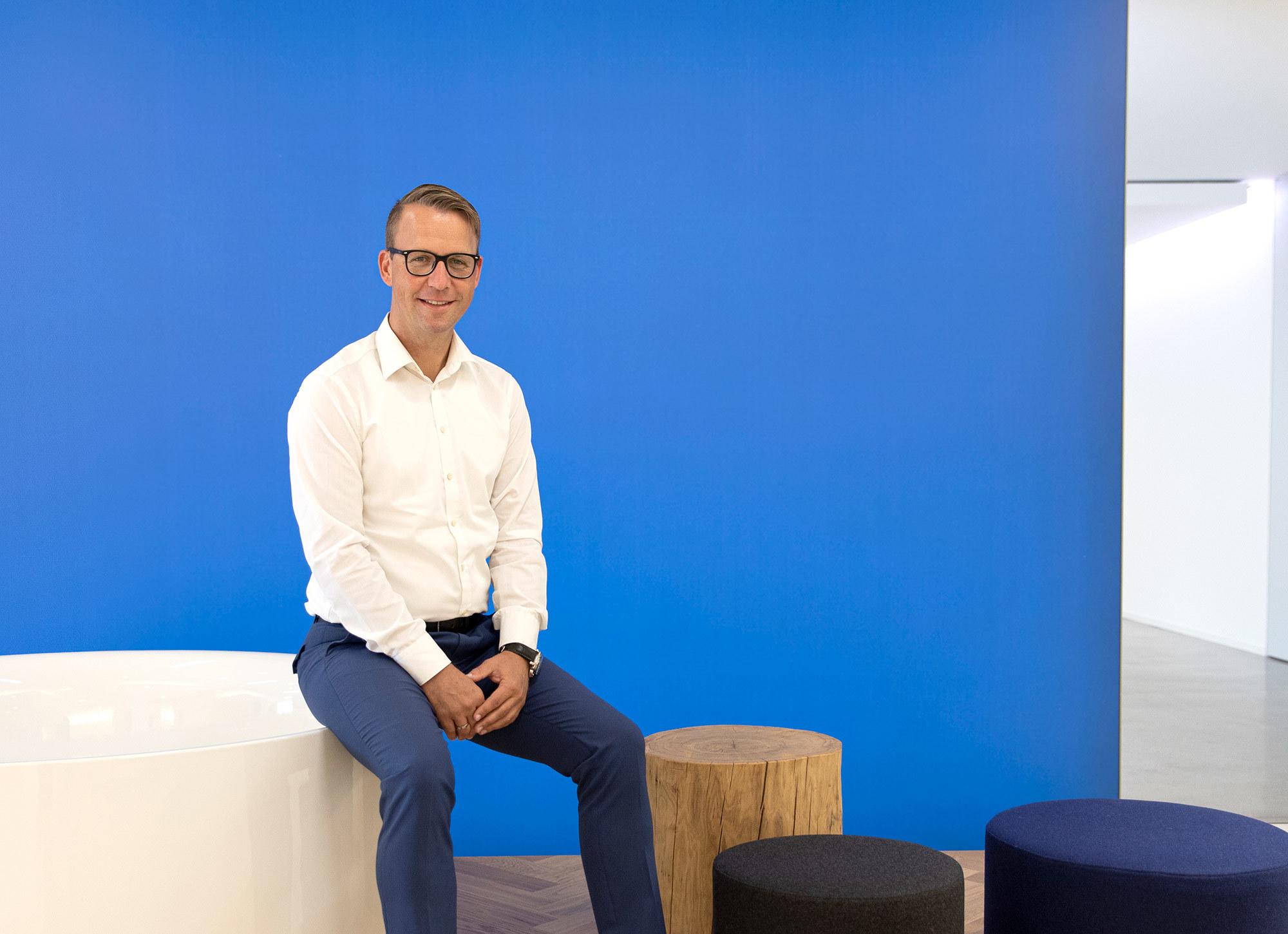 Sven Rensinghoff ist seit 1996 bei BETTE tätig und dort für Marketing und Produktmanagement verantwortlich.