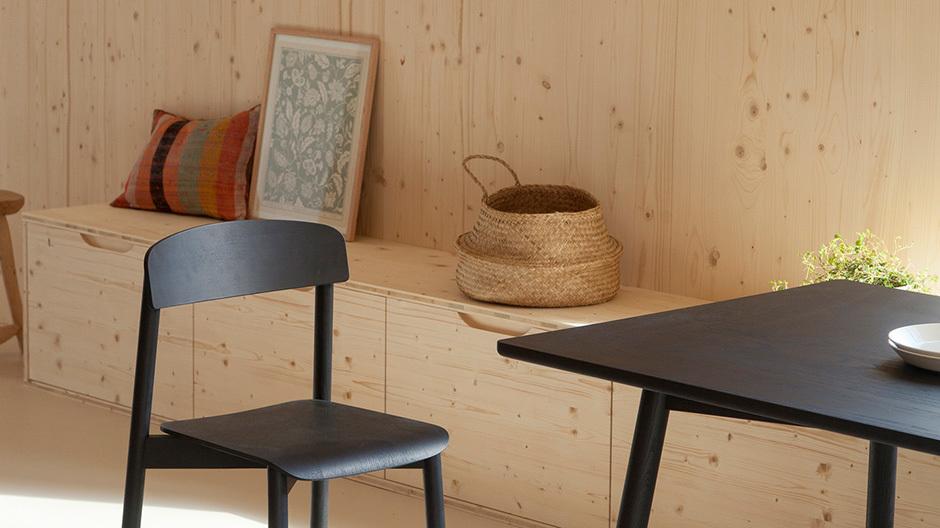 Mit seinem Büro Atelier Ordinaire hat Thomas Walter in Beaune ein Einfamilienhaus aus Holzfertigteilen gebaut, das Nachhaltigkeit und Unbeschwertheit vereint.