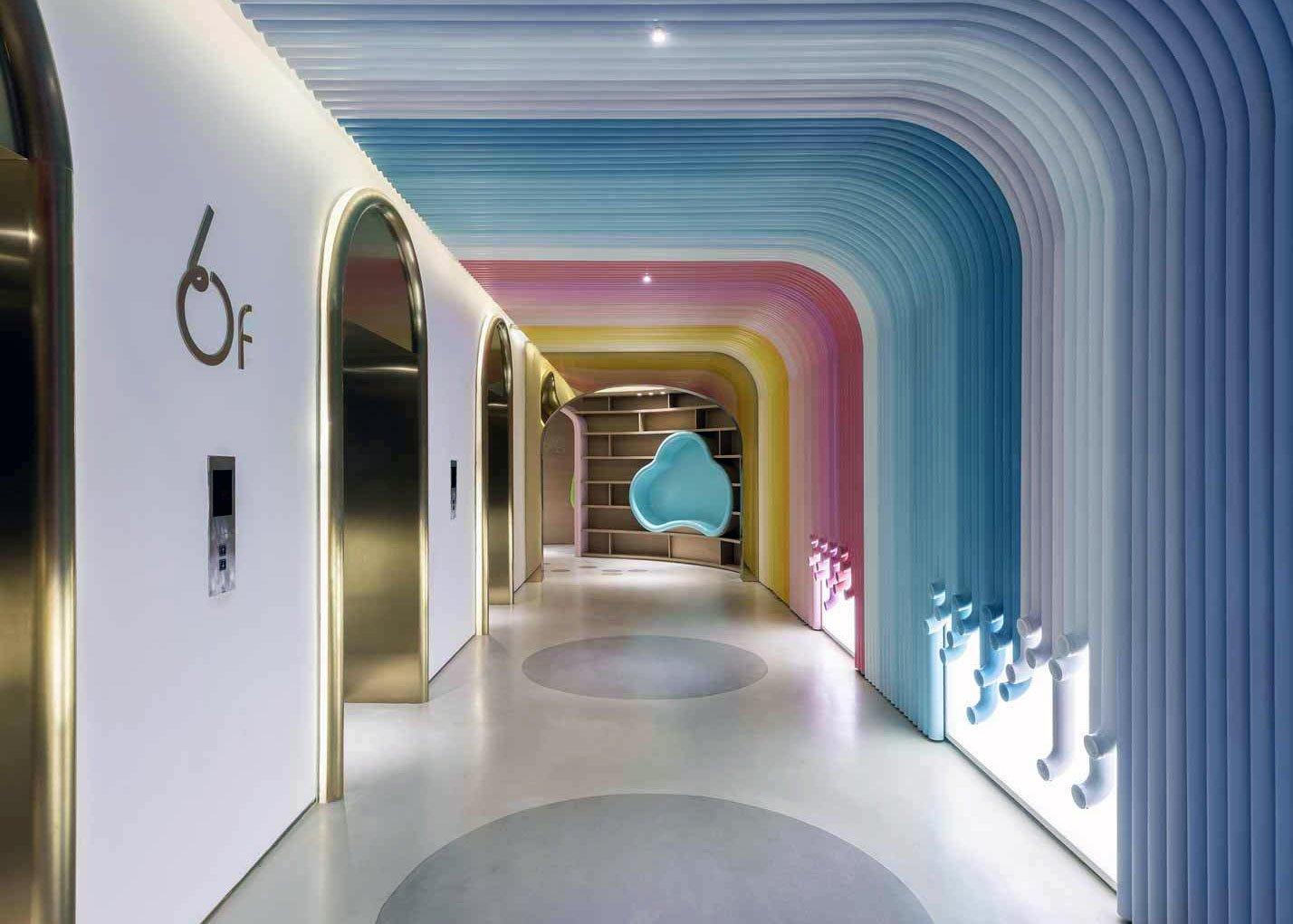 Spieleparadies mal anders: Arizon Design gestaltete den Kinderbereich der Joy City Mall in Shanghai – und schuf einen wahren Sinnesrausch aus 200 Farben.