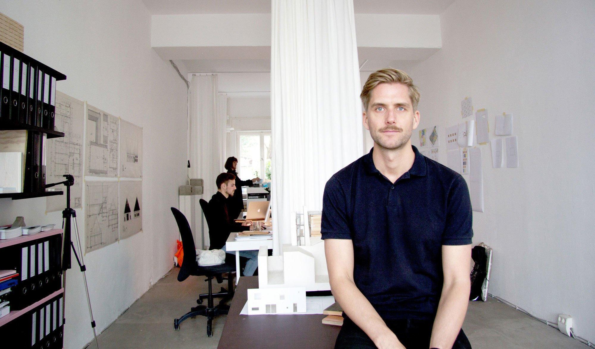 Sigurd Larsen in seinem Studio in Berlin-Kreuzberg. Foto/ Copyright: Sigurd Larsen Design & Architecture