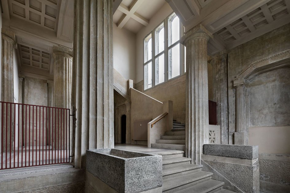 Das Vestibül der Villa Heike, Berlin. Foto Enric Duch