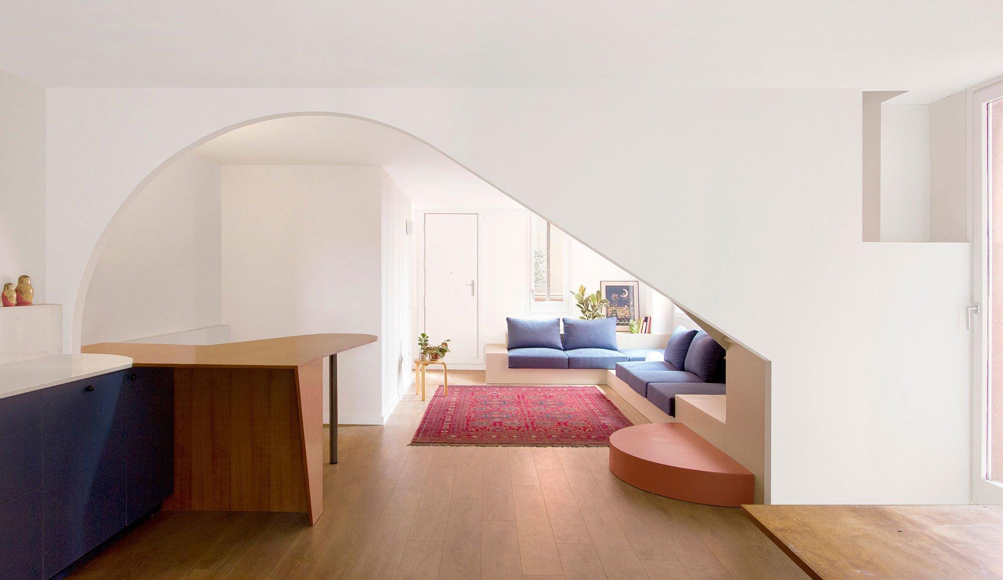 Das spanische Büro Bonell+Dòriga gestaltete ein Apartment in Ricardo Bofills Walden 7, dessen Interieur die Architektursprache des Bofill-Baus gekonnt zitiert.
