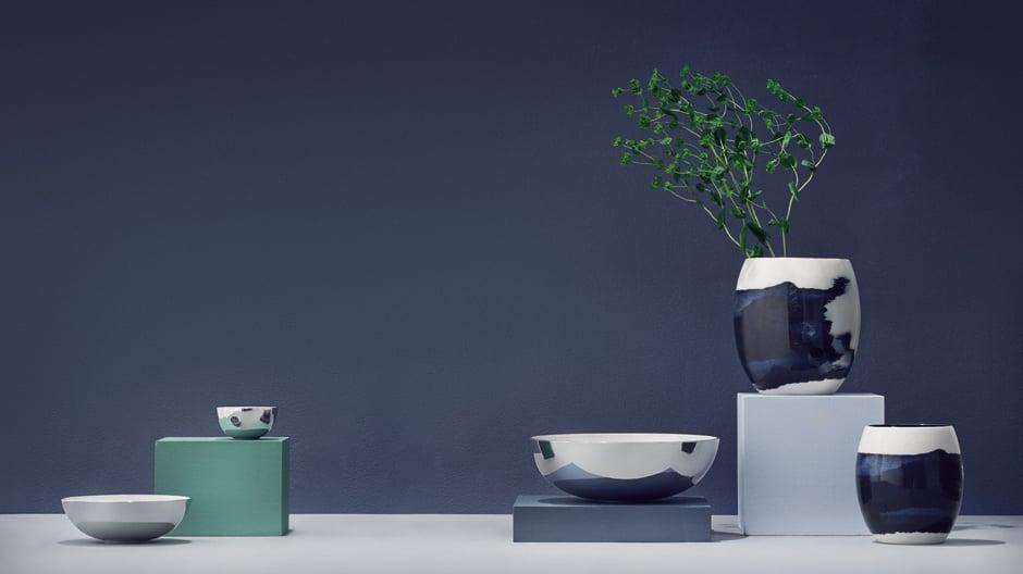 Das schwedische Designbüro Bernadotte & Kylberg hat für Stelton die Vasen- und Schalenserie Stockholm Aquatic entworfen.