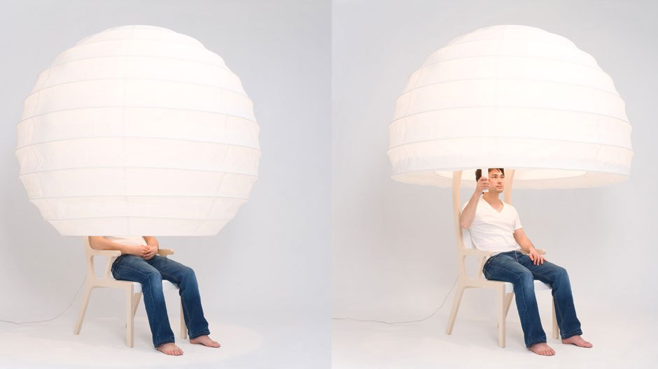 Seung Yong Song hat im französischen Reims Produktdesign studiert und arbeitet seit 2011 im eigenen Designstudio Sy Design in Korea.