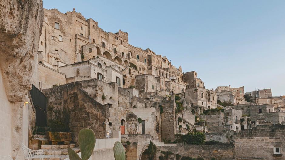 Von der Frühgeschichte bis in die Gegenwart: Das Hotel La Dimona di Metello im süditalienischen Matera entführt seine Gäste auf eine packende Zeitreise.