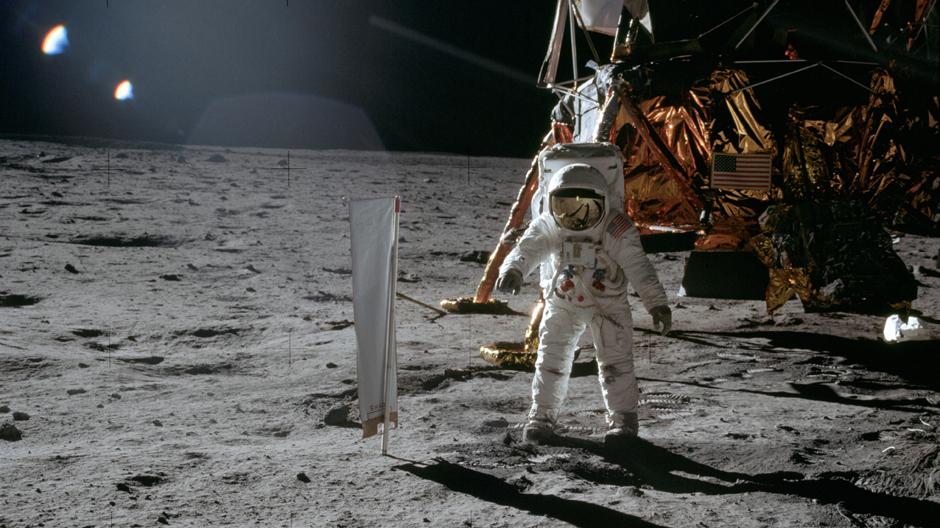 """Apollo 11 Mission 1969: Astronaut Edwin """"Buzz"""" Aldrin auf der Mondoberfläche. Foto: NASA"""