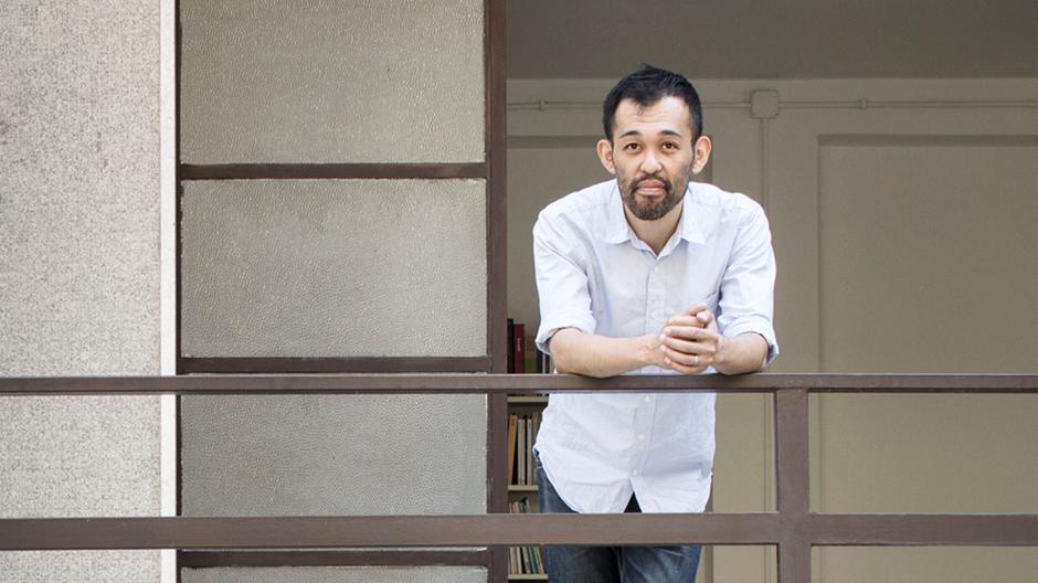 Keiji Takeuchi vor seinem Mailänder Studio. Foto: Alberto Strada