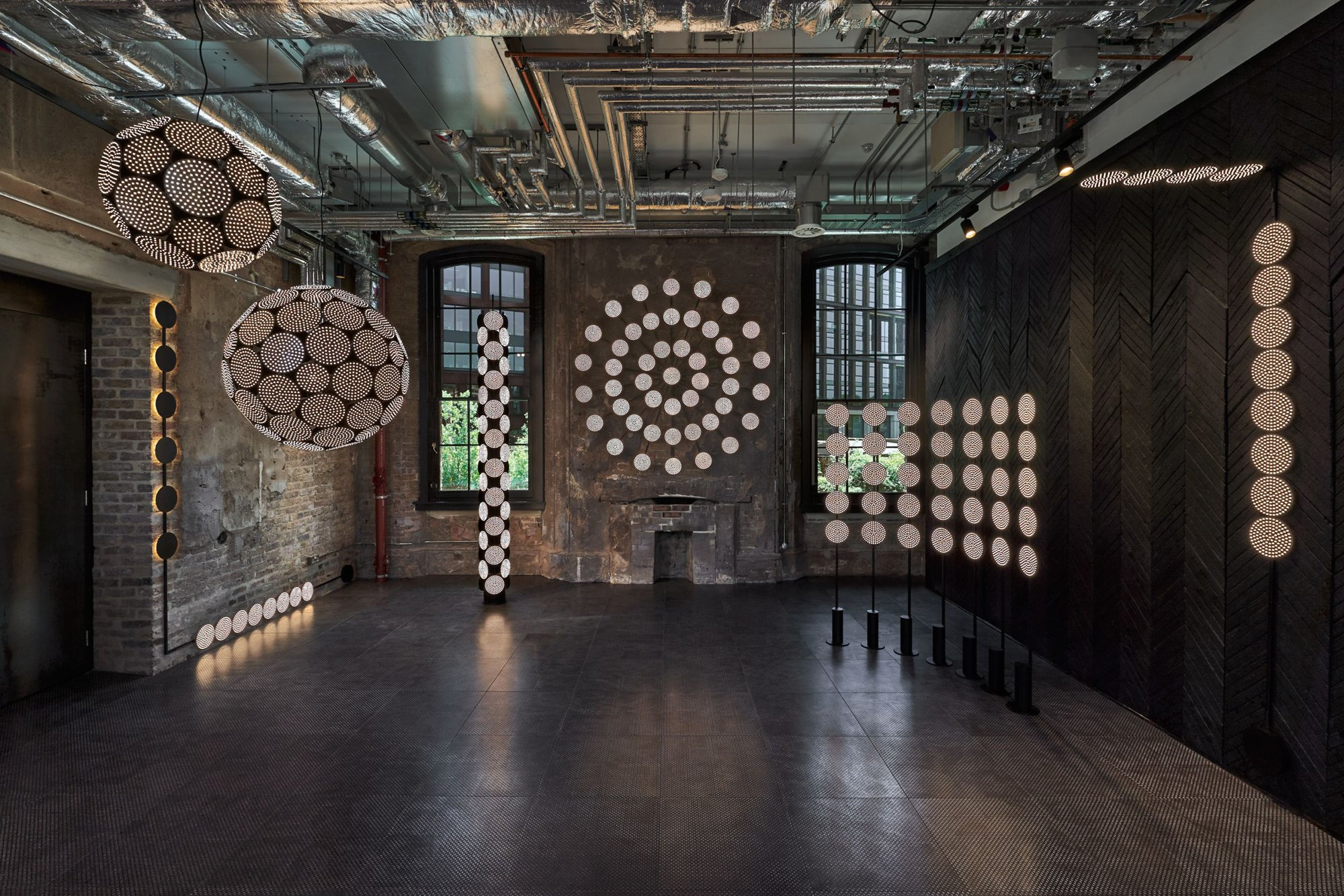 London Design Festival 2020: LED-Leuchten-System Code. Foto: Studio Tom Dixon