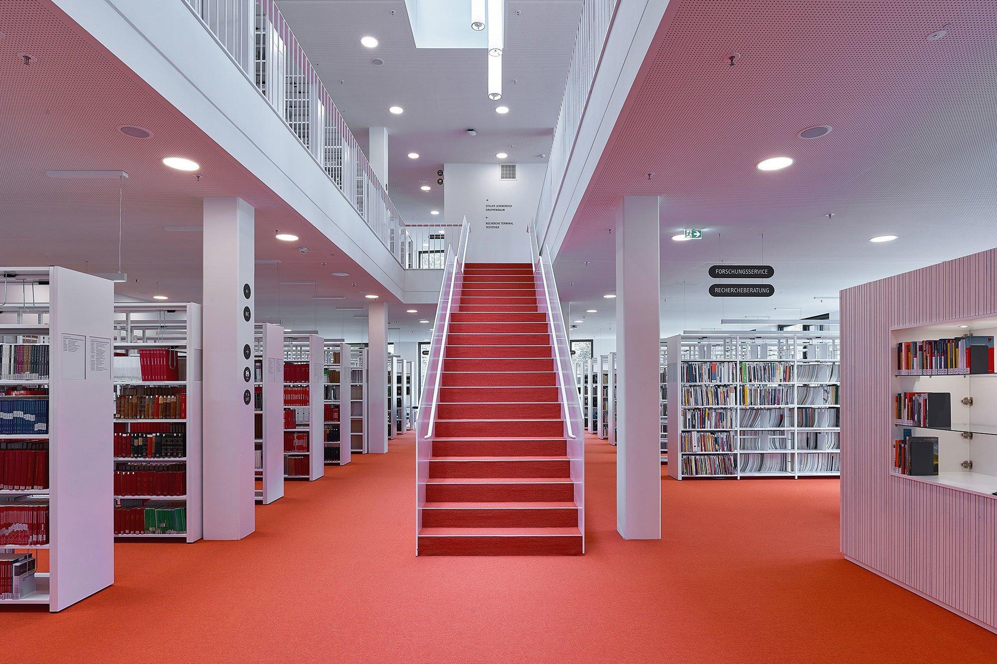 Leibnitz-Institut Berlin: Aus der umfangreichen Farbpalette (40 Farben) fiel die Wahl auf ein warmes Orange.