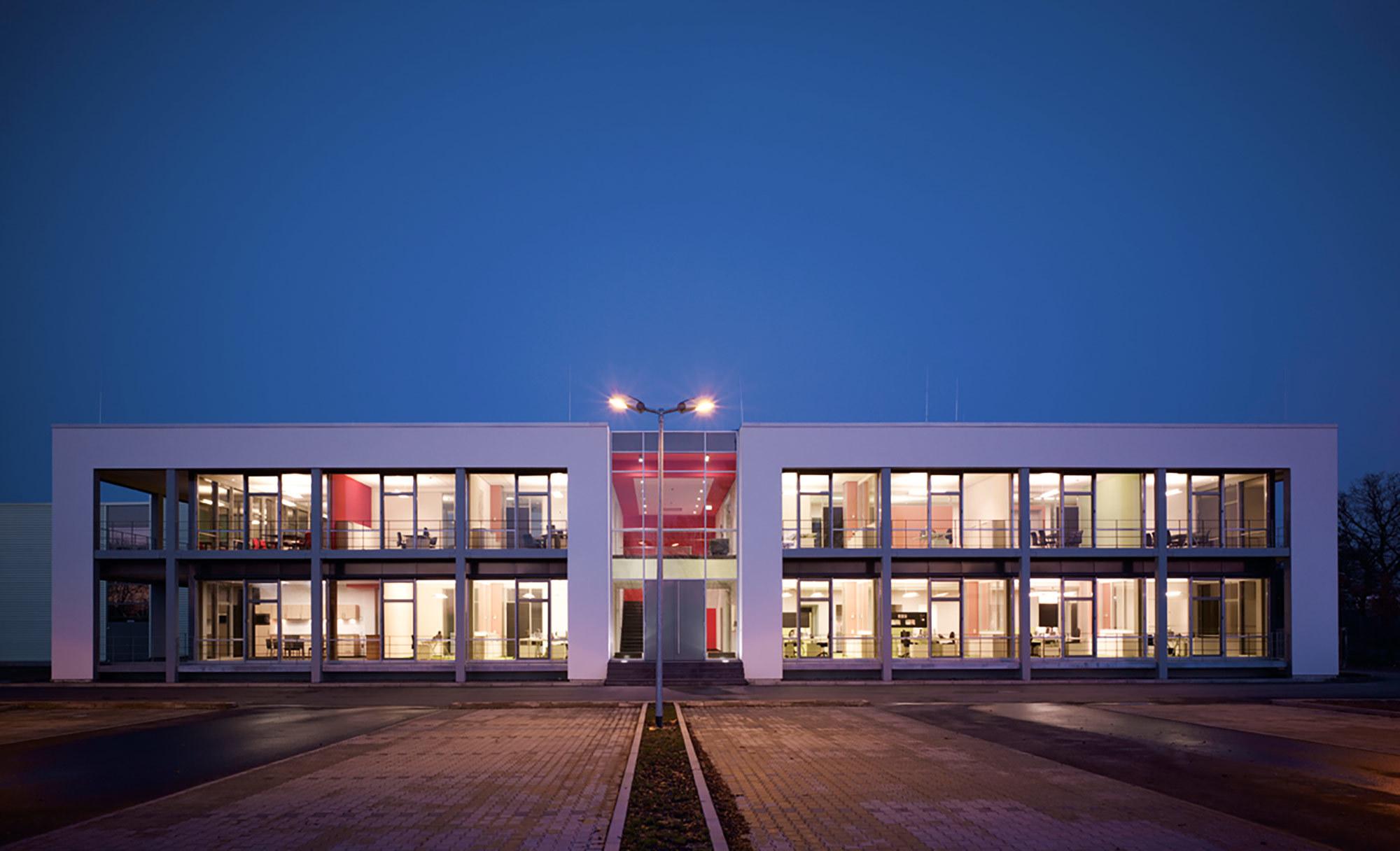Das Firmengebäude von tretford in in Wesel am Niederrhein.