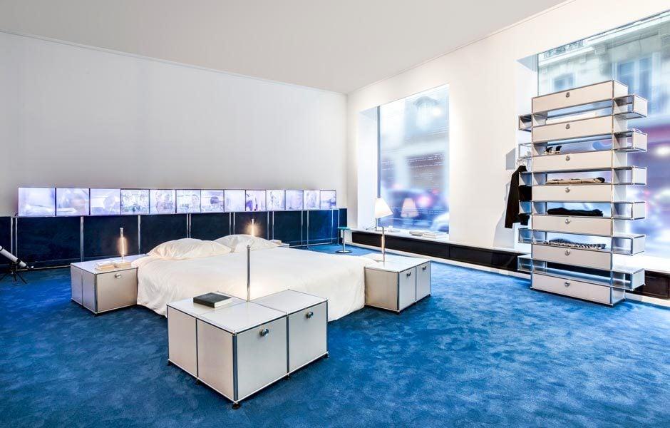 Mit dem modularen System von USM kreierten die Designer Coperni einen Wohn- und einen Arbeitsbereich.