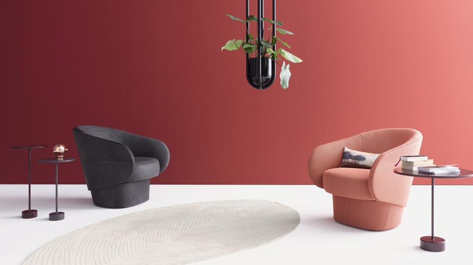 Uwe Fischer hat für Cor ein geschwungenes Sitzmöbel entworfen