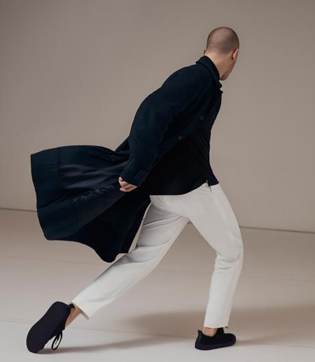 Wayne McGregor lässt die neue Herrenkollektion von COS in Florenz tanzen.