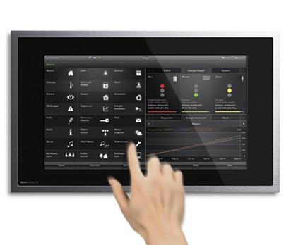 Touchscreen-PC von Gira mit intuitiver Bedienoberfläche