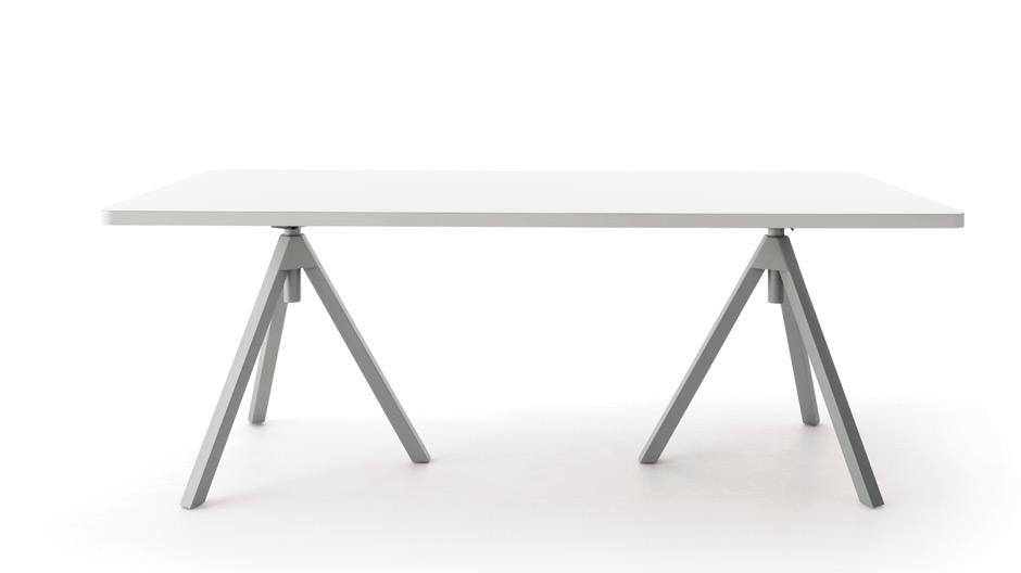 Der höhenverstellbare Werktisch von Uwe Fischer für Cor