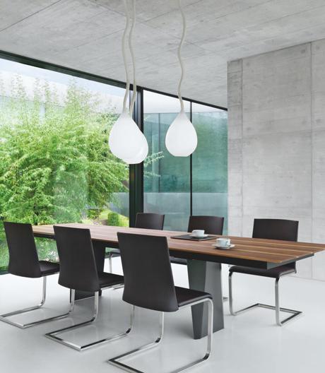 Massivholztisch mit Potential von Girsberger