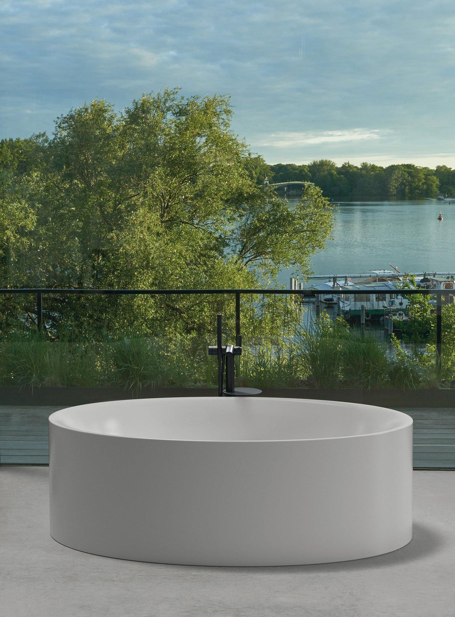 Elliptisch geformte Badewanne von Tesseraux+Partner für Bette