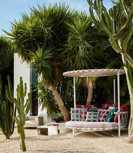Entspannte Sportlichkeit mit Gartenmöbeln von Patricia Urquiola für Cassina