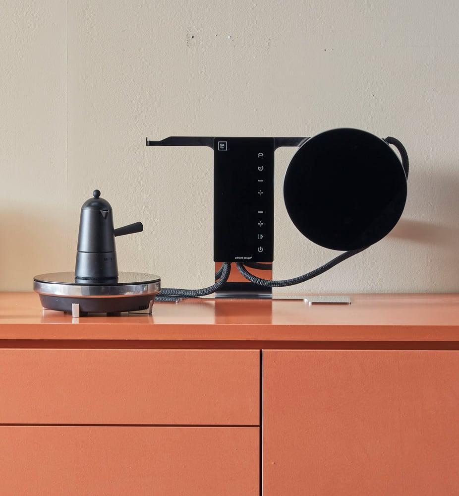 Zwei Induktionsplatten von Adriano Design für Fabita zum Aufhängen
