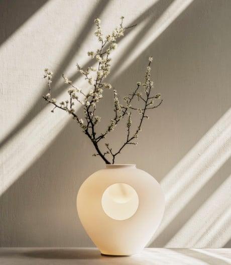 Stimmungsvoller Leuchtenstrauß: Andrea Anastasios Tischleuchte für Foscarini.
