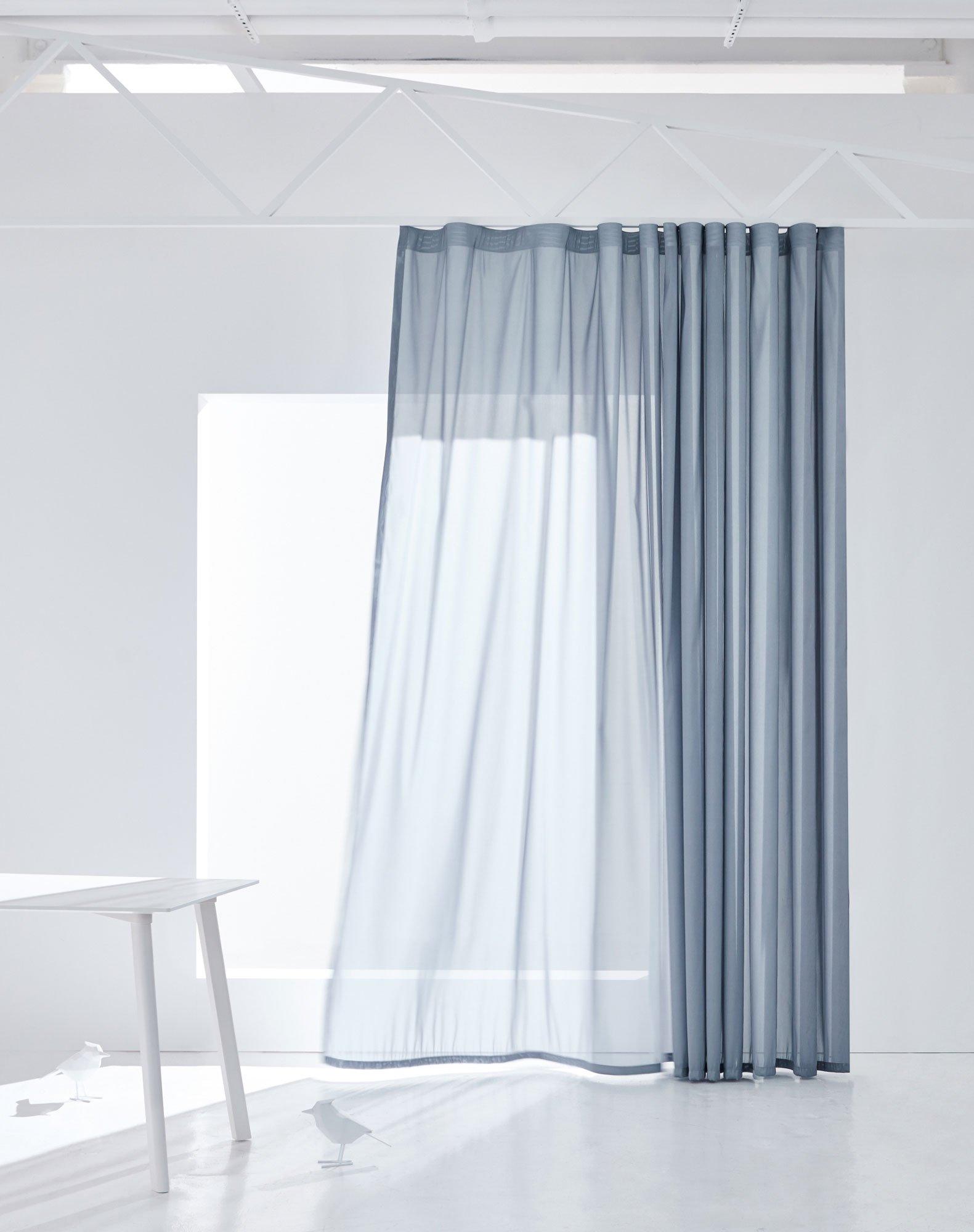 Vorhangstoffe mit Blend- und Wärmeschutz von Création Baumann