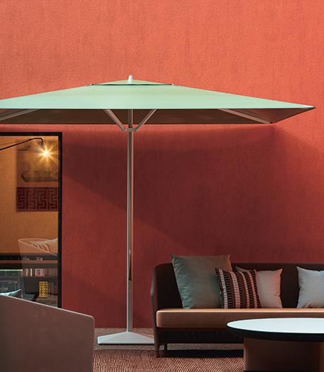 Der Sommer wird schön: Sonnenschirm von Konstantin Grcic für Kettal.