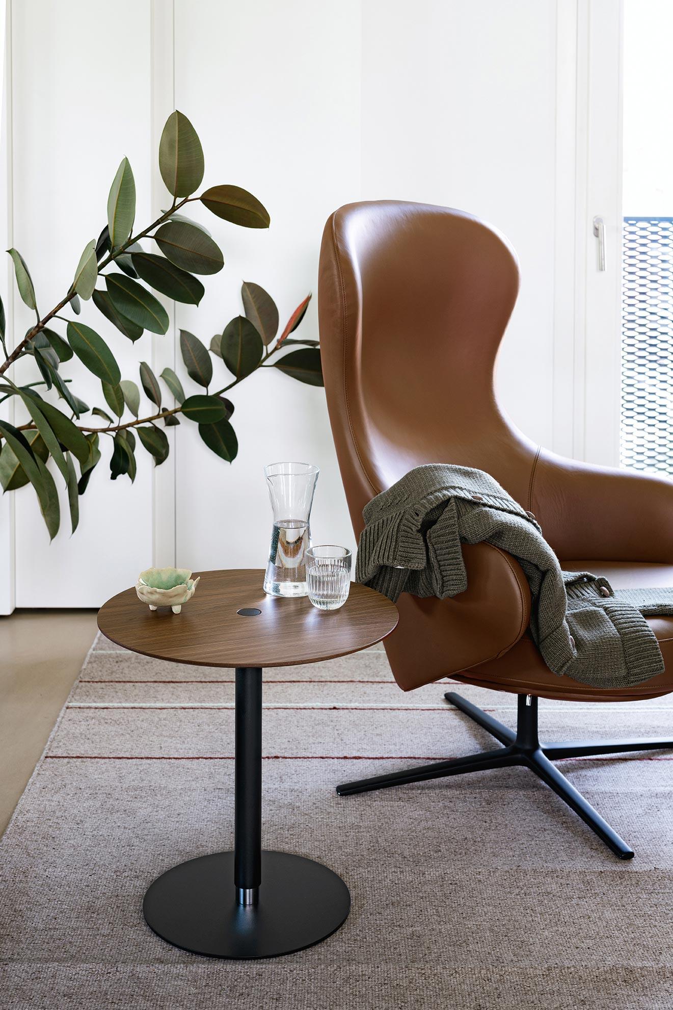 Komfortable Sessel von Läufer & Keichel für Kristalia