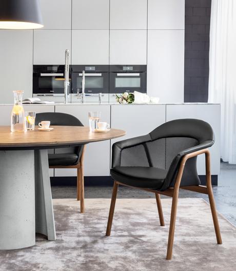 Die Sitzkollektionvon Girsberger bietet Komfort am Ess- oder Arbeitstisch