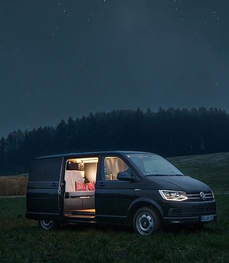 Pimp my Ride: Nils Holger Moormann ließ sich diesen VW T6-Bus ausbauen, den es nun serienmäßig gibt