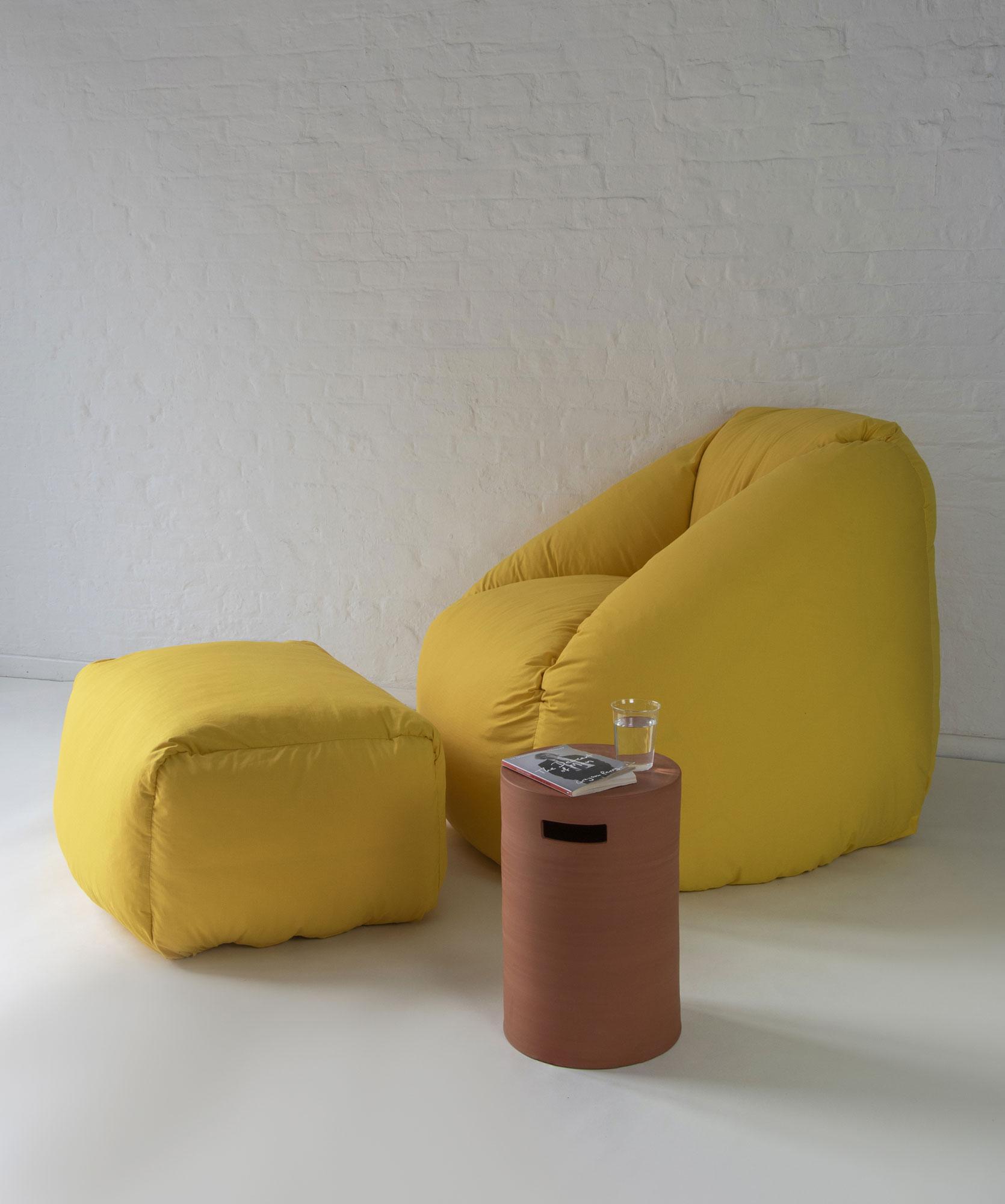 Von der Daunenjacke inspirierter Sessel von Philippe Malouin für SCP
