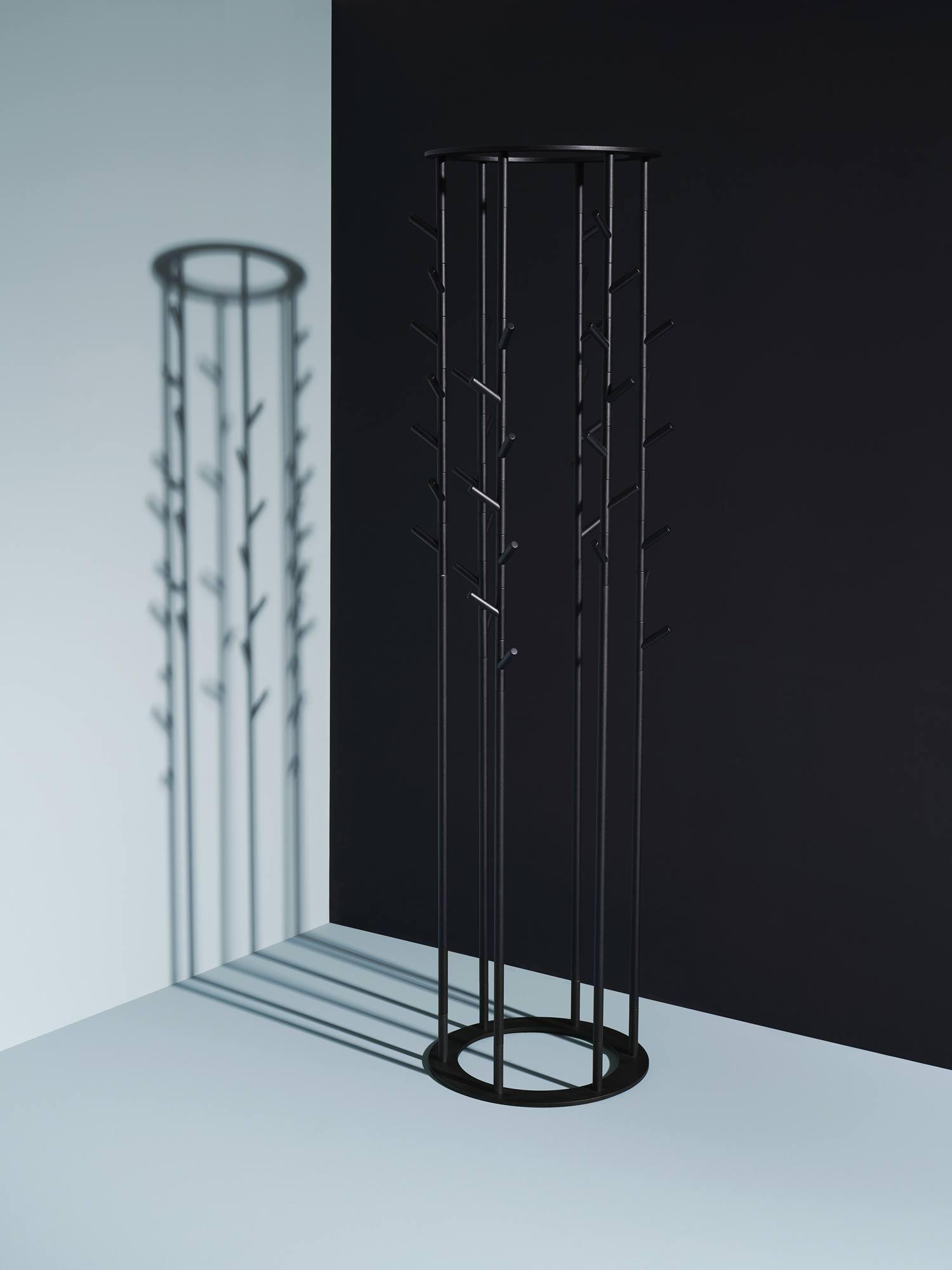 Vielseitige Garderobenlinie von Nichetto Studio für Schönbuch