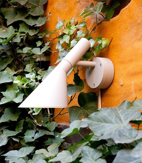 Louis Poulsen macht Arne Jacobsens kleine Leseleuchte witterungsfest