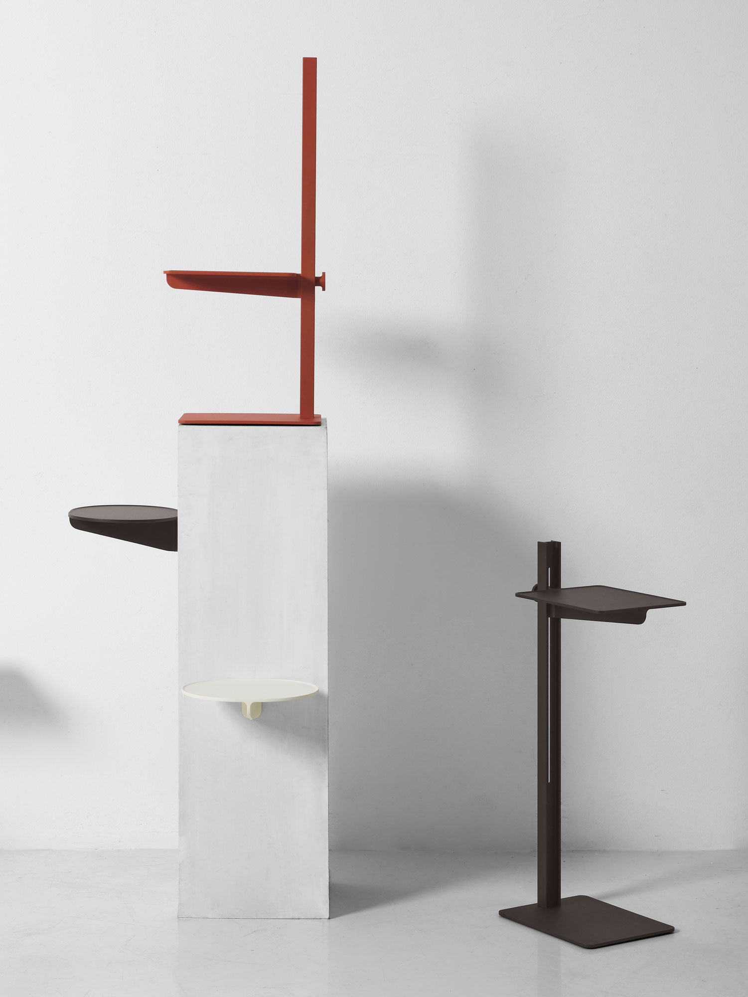 Vielseitiger Beistelltisch und Ablage von TAF Studio für String Furniture