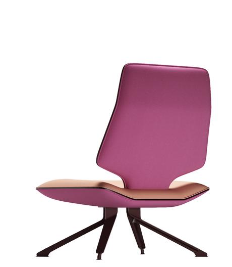 Technologische Leichtigkeit mit T-Design: Die gepolsterte Sitzkollektion von Alfredo Häberli bietet Sessel und 2- bis 3-Sitzer