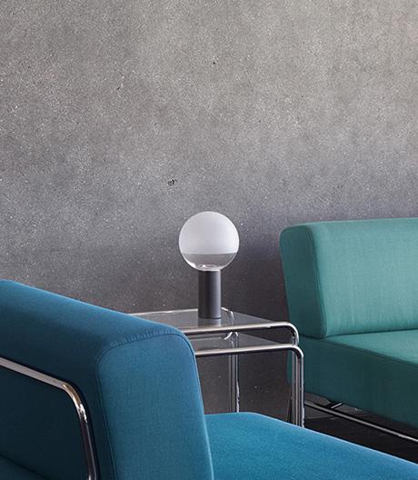 Thonet rekapituliert seine Bauhaus-Geschichte und entwickelt mit Designer Uli Budde – eine Leuchte!