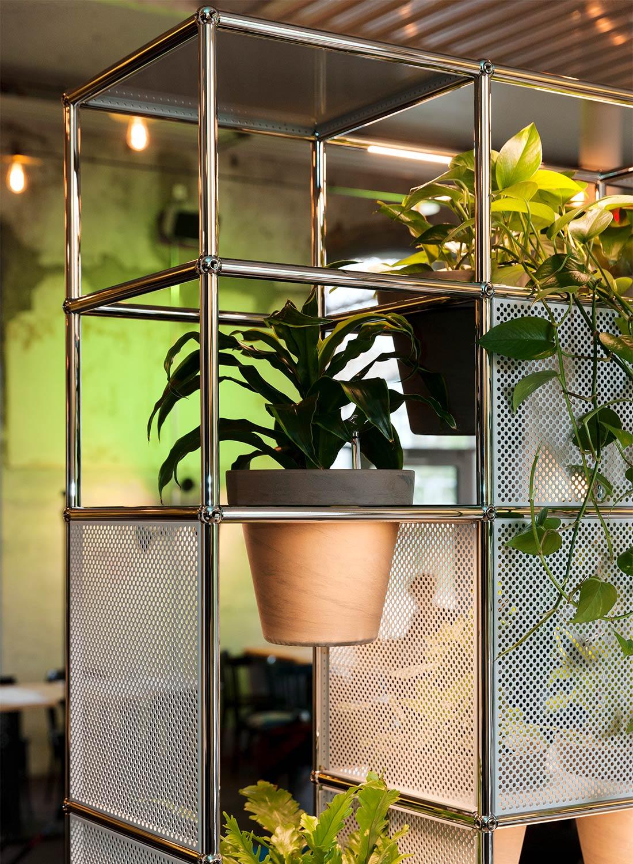 Möbelsystem Haller integriert die Natur