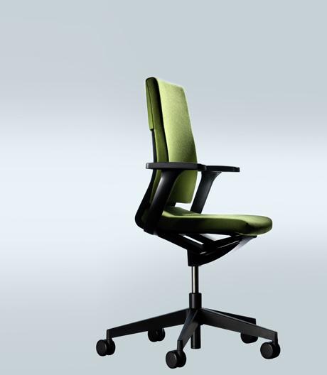 Der runderneuerte Stuhlklassiker von Wilkhahn
