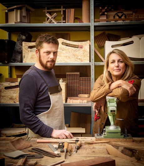 Auf Holz geklopft: Tablett mit Streifen von Patricia Urquiola.