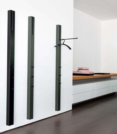 Garderobensystem in Holz, Lack oder Chrom für Schönbuch