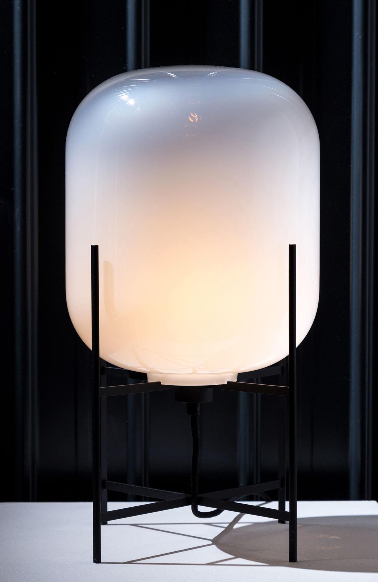 Leuchte in drei Größen von Designer Sebastian Herkner für Pulpo