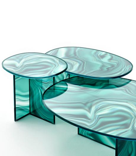 Industriell gefertigt und doch mit sinnlichen Qualitäten: Patricia Urquiolas Tischserie für Glas Italia.