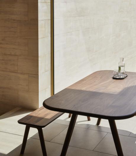 Biophiles Design: Möbelkollektion von David Rockwell für Benchmark