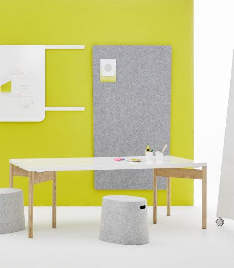 Ein wandelbares Arbeitswerkzeug ist der Tisch von Jörg Boner und Moving Walls.