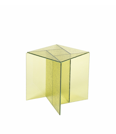 Tische mit kolorierten Glasflächen von MUT Design für Pulpo