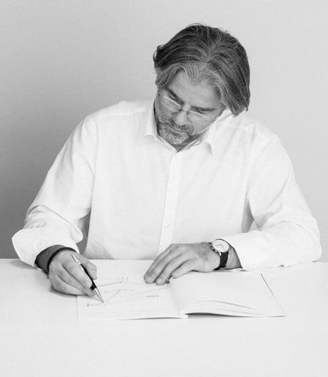 Der Designer und Leuchtenhersteller im Interview