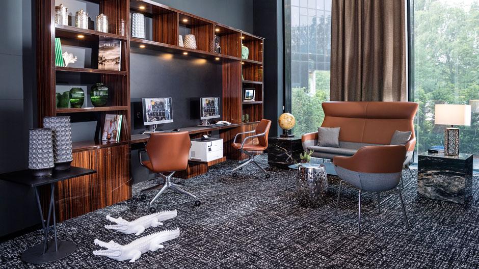 Dieses Vier-Sterne-Hotel am Hamburger Flughafen gewinnt durch die Objektmöbel von Brunner