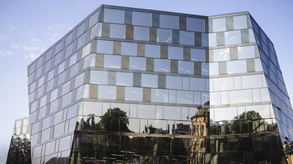 Der Umbau der Unibibliothek Freiburg mit passenden Loungemöbeln