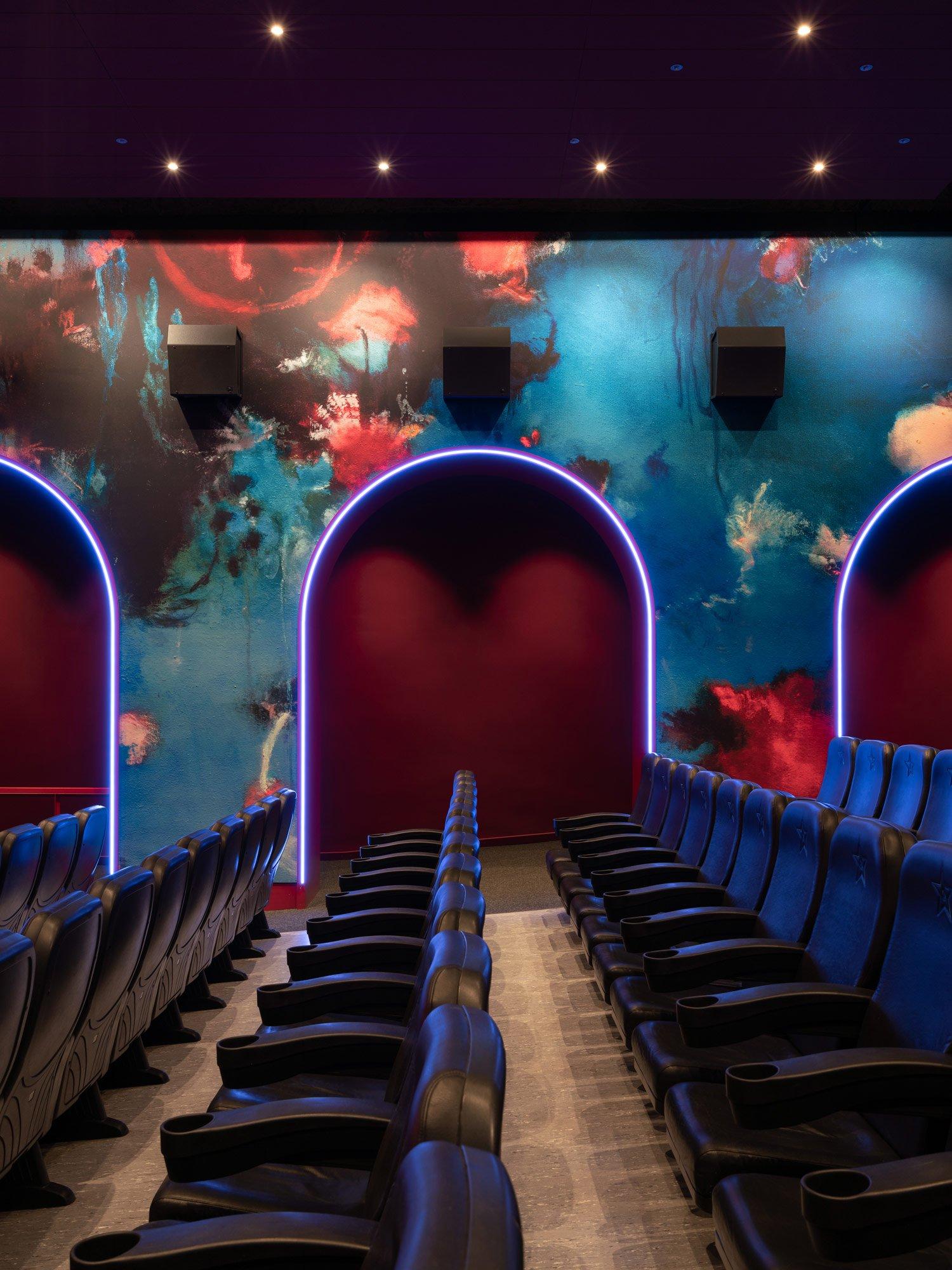 Sanierung eines Berliner Kinos von Batek Architekten