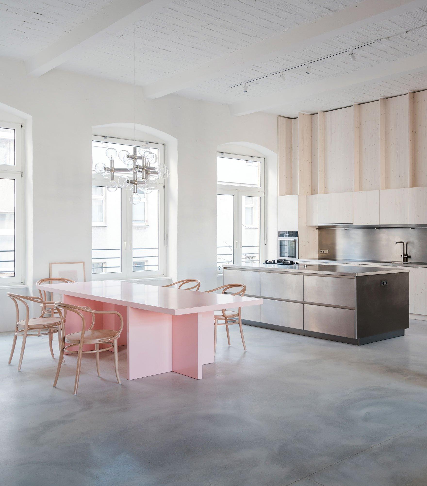 Umbau eines Berliner Lofts von Batek Architekten
